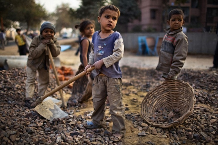 168 milioni di piccoli lavoratori. In Italia oltre 25 mila a rischio