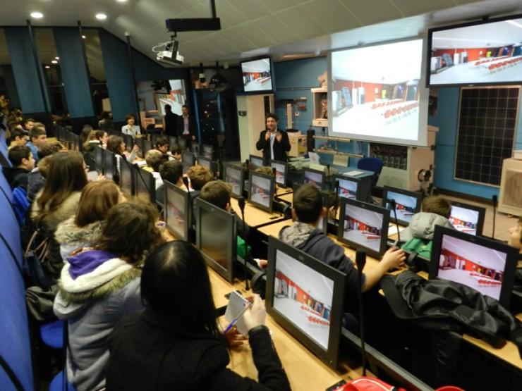 Studenti monitorano la scuola